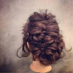 アップスタイル くるりんぱ 編み込み フィッシュボーン ヘアスタイルや髪型の写真・画像