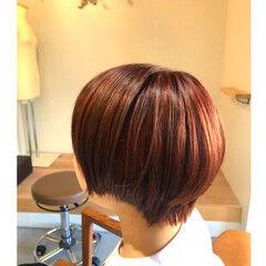 ハイライト ストリート デザインカラー レッドブラウン ヘアスタイルや髪型の写真・画像