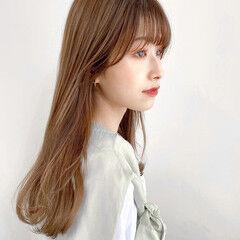 ハイトーンカラー イルミナカラー セミロング オリーブベージュ ヘアスタイルや髪型の写真・画像