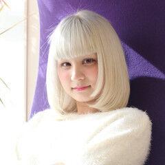 ホワイトシルバー ホワイトブリーチ ボブ ストリート ヘアスタイルや髪型の写真・画像