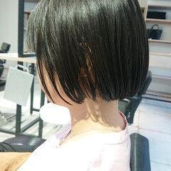 美シルエット ミニボブ 簡単スタイリング 切りっぱなしボブ ヘアスタイルや髪型の写真・画像