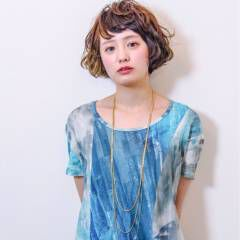 ガーリー ダブルカラー ショート ストリート ヘアスタイルや髪型の写真・画像