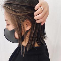 ベージュ ボブ アッシュ インナーカラー ヘアスタイルや髪型の写真・画像