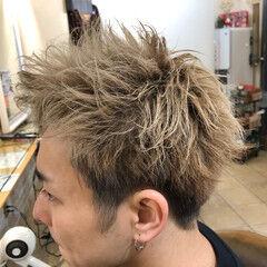 メンズパーマ スパイラルパーマ ショート メンズカジュアル ヘアスタイルや髪型の写真・画像