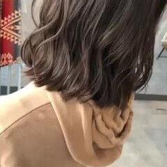 フェミニン グレージュ ボブ ミニボブ ヘアスタイルや髪型の写真・画像