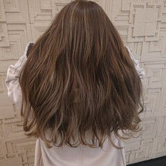 極細ハイライト ハイトーンカラー ロング ハイライト ヘアスタイルや髪型の写真・画像