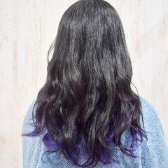 セミロング インナーカラーパープル ヴァイオレット ストリート ヘアスタイルや髪型の写真・画像