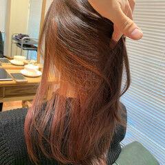 ナチュラル ブリーチカラー ブリーチ インナーカラーレッド ヘアスタイルや髪型の写真・画像