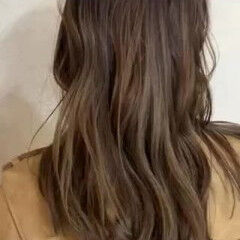 ナチュラル レイヤー 大人カラー セミロング ヘアスタイルや髪型の写真・画像