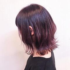 ナチュラル チェリーピンク 切りっぱなしボブ ボブ ヘアスタイルや髪型の写真・画像