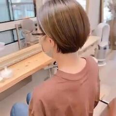 マッシュショート ナチュラル ショートマッシュ マッシュヘア ヘアスタイルや髪型の写真・画像
