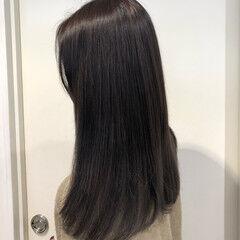 ロング 黒染め イルミナカラー ナチュラル ヘアスタイルや髪型の写真・画像