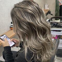 ハイライト ハイトーンカラー ロング モード ヘアスタイルや髪型の写真・画像