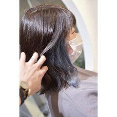 ターコイズブルー インナーカラー ガーリー イヤリングカラー ヘアスタイルや髪型の写真・画像