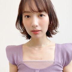ミディアム 髪質改善トリートメント 小顔 アンニュイほつれヘア ヘアスタイルや髪型の写真・画像