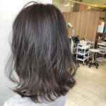 カール 艶髪 グラデーションカラー セミロング