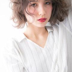 グレージュ ベリーピンク グラデーションカラー ストリート ヘアスタイルや髪型の写真・画像