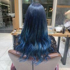 モード ブリーチカラー ロング ブルーグラデーション ヘアスタイルや髪型の写真・画像