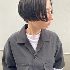 アッシュグレイ ストリート 黒髪ショート ショートヘア ヘアスタイルや髪型の写真・画像
