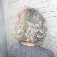 レインボー ミディアム ハイトーンカラー ユニコーンカラー ヘアスタイルや髪型の写真・画像