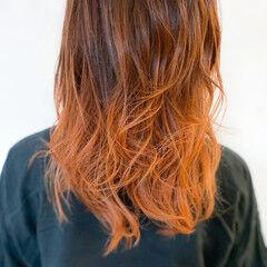 ロング グラデーションカラー ナチュラル オレンジベージュ ヘアスタイルや髪型の写真・画像