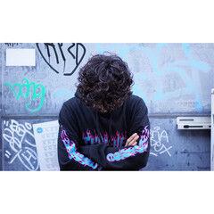ガーリー メンズ ストリート スパイラルパーマ ヘアスタイルや髪型の写真・画像