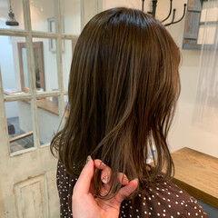 ガーリー シアーベージュ ナチュラルベージュ 透明感カラー ヘアスタイルや髪型の写真・画像