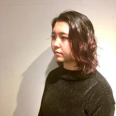 ミディアム 外国人風 外国人風パーマ チェリーレッド ヘアスタイルや髪型の写真・画像