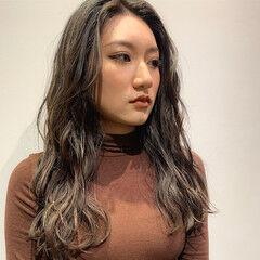 3Dハイライト かき上げ前髪 ロング エレガント ヘアスタイルや髪型の写真・画像