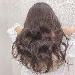 ラベンダーグレージュ アッシュグレージュ ロング ナチュラル ヘアスタイルや髪型の写真・画像