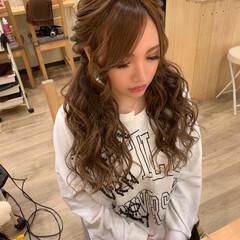 ふわふわヘアアレンジ ツインテール 編み込みヘア ガーリー ヘアスタイルや髪型の写真・画像