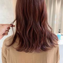 セミロング カシスカラー ナチュラル ピンク ヘアスタイルや髪型の写真・画像