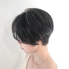 フェミニン グレージュ ショート 地毛風カラー ヘアスタイルや髪型の写真・画像