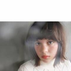 ストレート 重めバング ナチュラル 外国人風 ヘアスタイルや髪型の写真・画像
