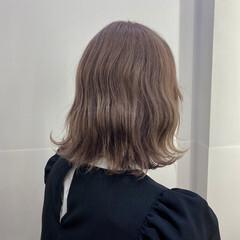 ストリート シルバーグレージュ ミルクティーグレージュ ボブ ヘアスタイルや髪型の写真・画像