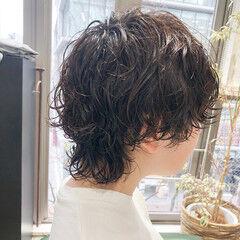 無造作パーマ マッシュウルフ ストリート ショート ヘアスタイルや髪型の写真・画像