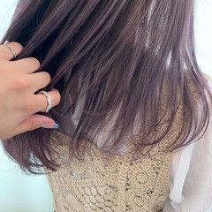 バイオレットアッシュ ハイライト ナチュラル 透明感 ヘアスタイルや髪型の写真・画像