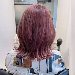 ピンク 韓国 韓国ヘア 切りっぱなしボブ ヘアスタイルや髪型の写真・画像