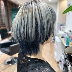 ツートンカラー インナーブルー ストリート ネイビーブルー ヘアスタイルや髪型の写真・画像