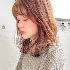 透明感カラー ナチュラル ゆるふわパーマ ミディアム ヘアスタイルや髪型の写真・画像