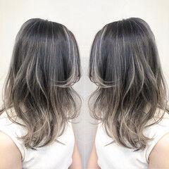 インナーカラー ミディアム ハイライト ユニコーンカラー ヘアスタイルや髪型の写真・画像