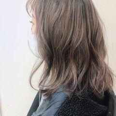 アッシュグレージュ ナチュラル 透明感カラー 外国人風 ヘアスタイルや髪型の写真・画像