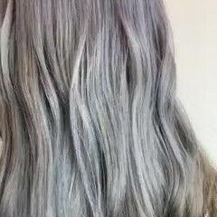 ブリーチカラー ロング シルバー ストリート ヘアスタイルや髪型の写真・画像