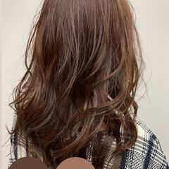 ナチュラル 冬カラー ロング 髪質改善トリートメント ヘアスタイルや髪型の写真・画像