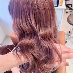 艶髪 ベージュカラー ピンクベージュ ラベンダーピンク ヘアスタイルや髪型の写真・画像
