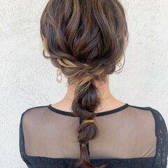 インナーカラー 編みおろし ミディアム ナチュラル ヘアスタイルや髪型の写真・画像