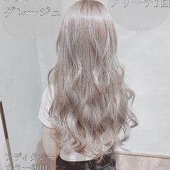 アディクシーカラー シルバーアッシュ ロング 圧倒的透明感 ヘアスタイルや髪型の写真・画像