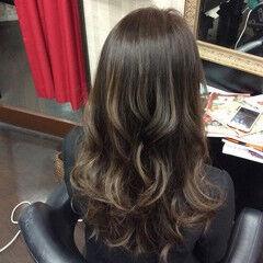 外国人風カラー グラデーションカラー セミロング ナチュラル ヘアスタイルや髪型の写真・画像