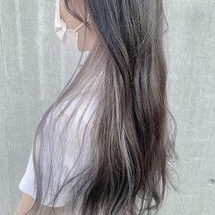 イヤリングカラー ロング インナーカラーシルバー ホワイトシルバー ヘアスタイルや髪型の写真・画像