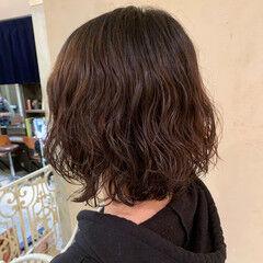 ウェーブ ゆるふわパーマ パーマ ナチュラル ヘアスタイルや髪型の写真・画像